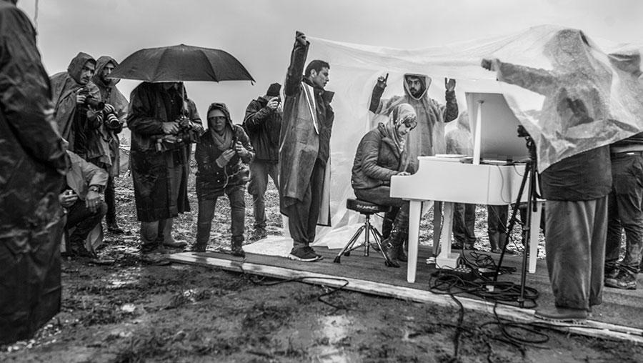 Deze muzikanten tonen een andere vluchtelingenstroom