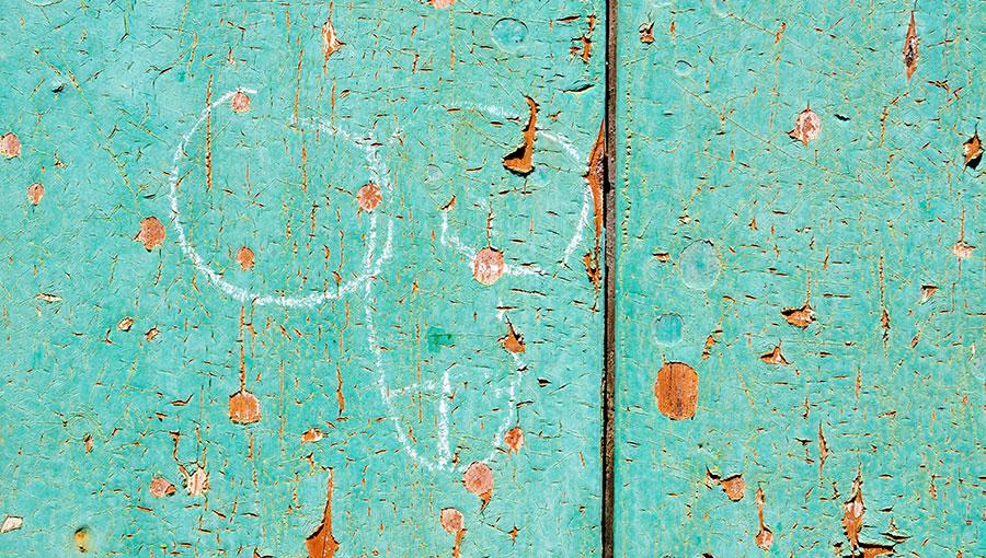 """""""Het emancipatieproces is pas geslaagd als meisjes clitorissen op de muren tekenen"""""""