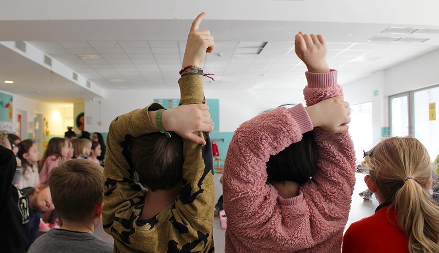 Spieren van liefde: wat een baby kleuters kan leren over empathie